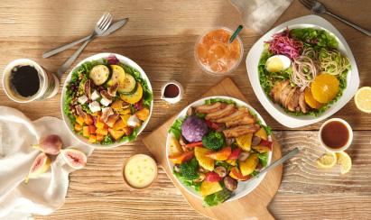 星巴克推出全新星级轻餐 三款暖食沙拉率先上市