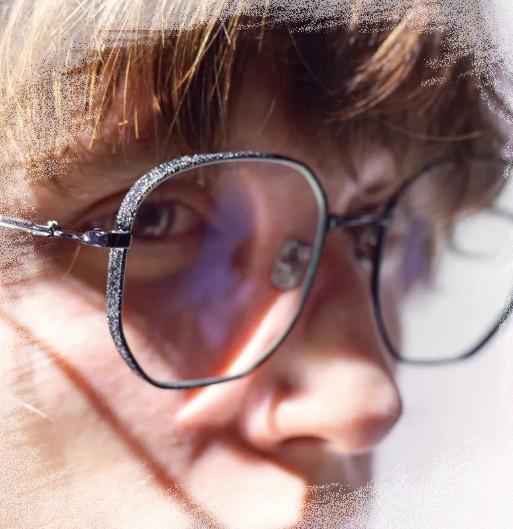 JINS睛姿时尚眼镜 铁釉陶器工艺系列新品